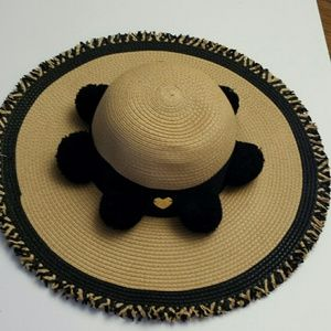 Betsy Johnson NWT Black and Beige Straw Hat